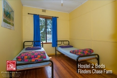 flinders-chase-farm-hostel-twin-single-beds-600